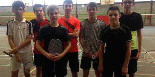 Les garcons au Badminton départemental