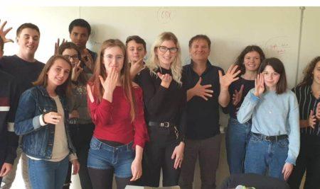La langues des signes : un nouvel atelier au lycée